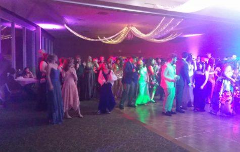 Pretty Prom Promenade: Prom Prom Prom Prom Prom Prom